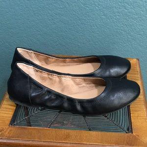 Amazon Essentials Women's Ballet Black Flats